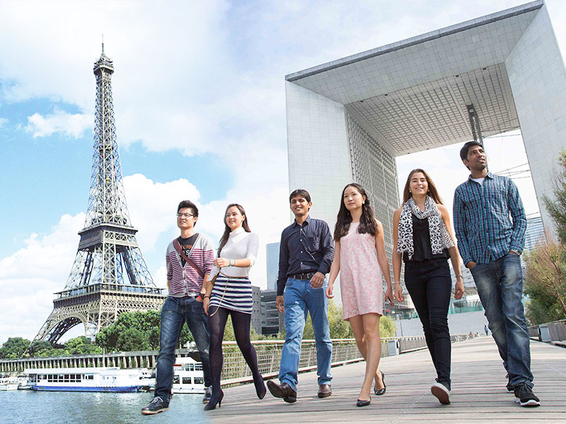 Discover Paris Campus