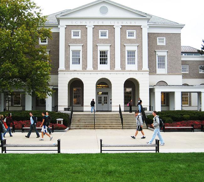 Bibliothèque d'une université partenaire à l'étranger