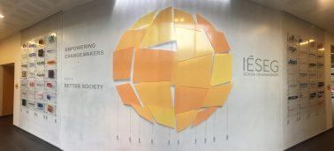 l'IÉSEG a inauguré le « Wall of Fame » : le mur des entreprises partenaires