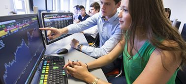 Studying finance at IÉSEG:  Focus on IÉSEG's virtual trading rooms